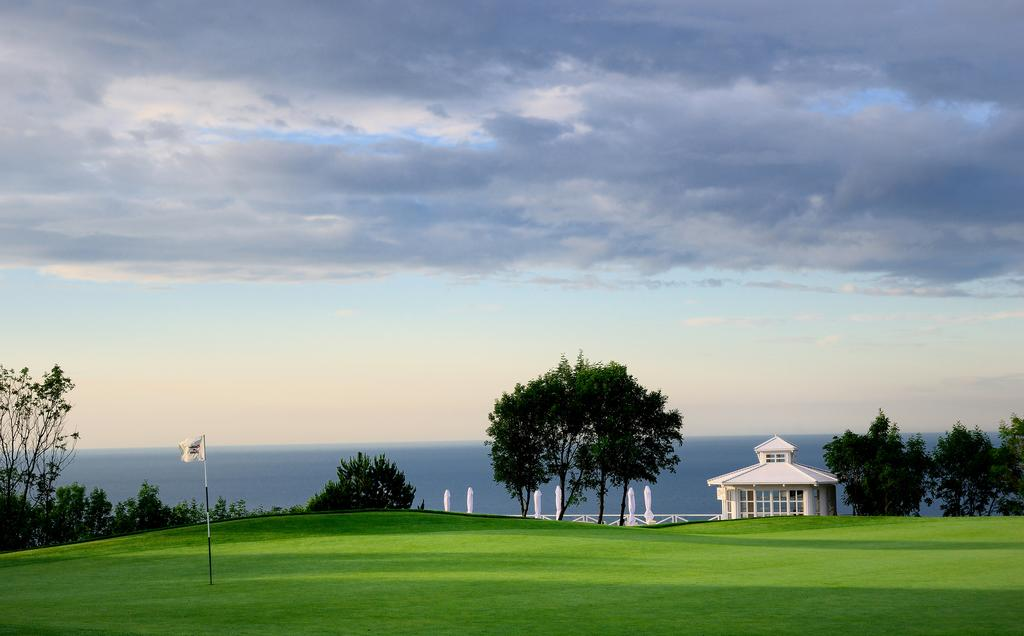 LIGHTHOUSE GOLF & SPA